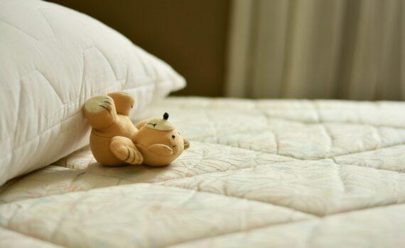 dobry materac na poprawę snu